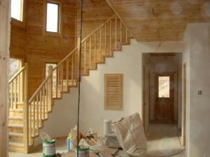 寶鴻榮川定制室內木質樓梯