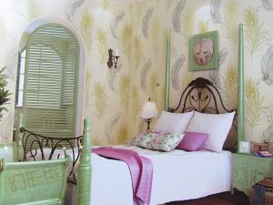 幻彩无纺环保刺绣墙纸客厅卧室背景墙压纹壁纸