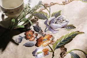 厂家直销 丝绸棉质适用包厢背景墙客厅刺绣无缝墙布艾美世家壁纸墙纸厂家