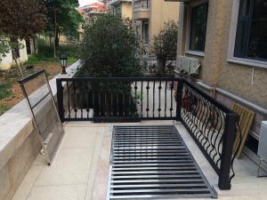 一品仁德:焊接护栏·庭院护栏·栏杆·栏板·铝合金护栏·花色护栏