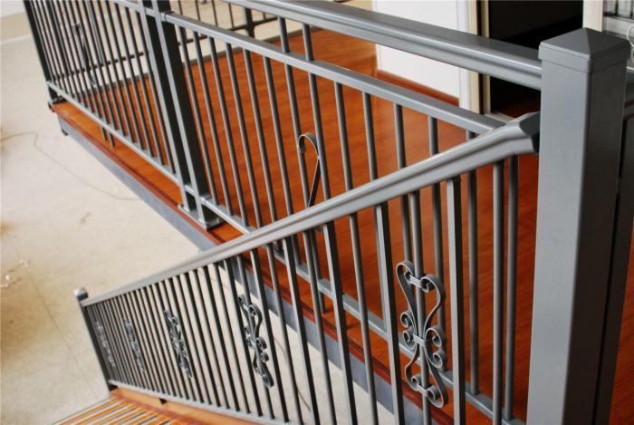 一品仁德厂家直销阳台栏杆 花园栏杆 玻璃栏杆 板式栏杆 铝艺护栏