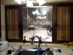 明窗6034外開窗 斷橋隔熱外開窗 中空玻璃 可內置電動百頁