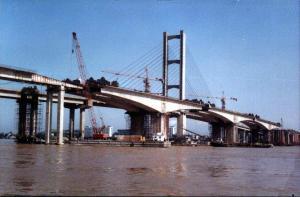 FYT桥梁桥面防水涂料    干燥快、工期短、造价便宜、粘接牢固    北京海岩兴业混凝土外加剂销售有限公司