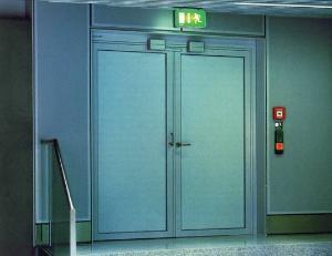 钢质逃生门
