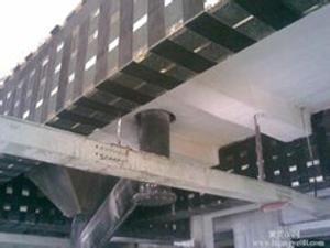 外包鋼加固改性環氧灌柱粘鋼膠    良好的韌性及抗沖擊性、粘接強度大、良好的抗水、油、堿及稀酸介質能力 北京遠華世紀建材有限公司