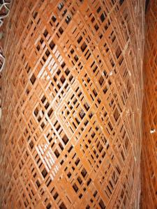 金属筛网厂护栏勾花网定做 包胶防护围网 优质铁丝网厂家批发
