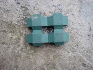 井字砖    抗压强度比较高,吸水率低,表面硬度大,化学稳定性好 上海质优新型建材有限公司