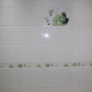 高档特价厨房卫生间防滑耐磨地砖 300x450亮光白色印花不透水墙砖