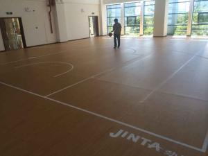 劲踏枫木纹健身房篮球场地pvc塑胶运动地胶地板卷材