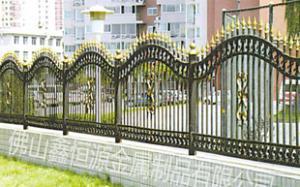 供应鑫恒源铁艺围栏、铁艺护栏、别墅护栏、围墙栏杆