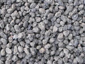 火山岩滤料   抗腐蚀、亲水性强、对所固定的微生物无害、无抑制性作用 灵寿县金源矿业加工厂