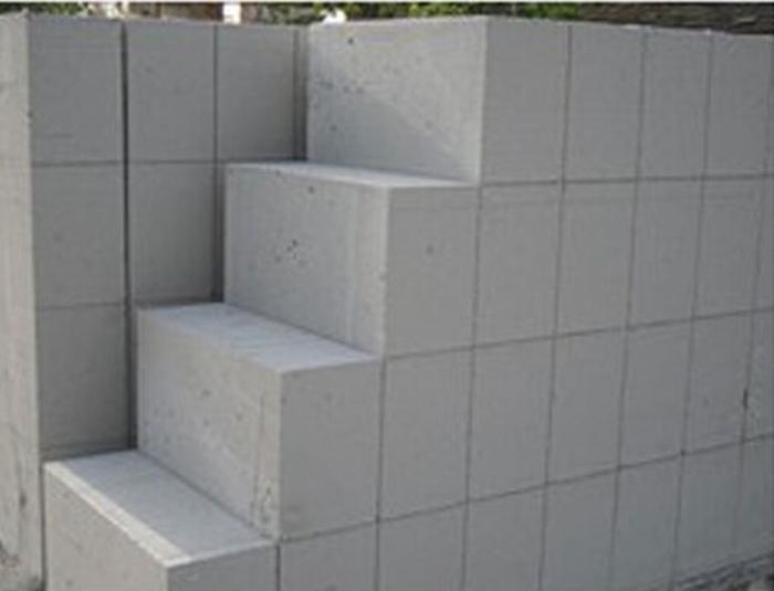 加气块 重量轻、保温性能好、良好的热物理性能、耐火性能 辽阳市秦甄环保建材有限公司