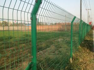 双边丝焊接隔离栅 专注高速铁路高架桥工程护栏网