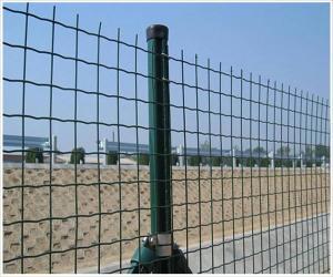 卷网焊接隔离栅(荷兰网)专注高速铁路高架桥工程护栏网