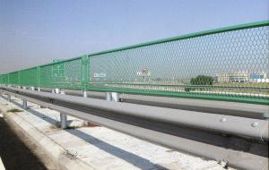 钢板网防眩网 专注高速铁路高架桥工程护栏网
