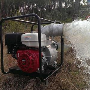 园林管理用6寸汽油机水泵带移动滚轮